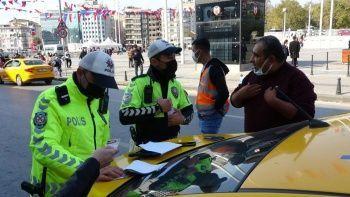Denetime takılan taksi şoförleri polislere tepki gösterdi
