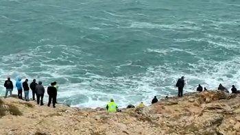Denizde hayata tutunma mücadelesi kamerada