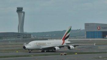 Dünyanın en büyük uçağı İstanbul Havalimanı'na ilk yolcularını taşıdı