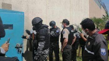 Ekvador'da cezaevlerinde şiddet: Mahkumlar polise ateş açtı