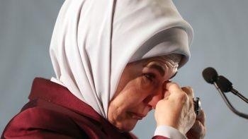 Emine Erdoğan Filistinli çocuklara ağladı