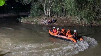 Endonezya'da nehir temizliğinde facia: 11 çocuk hayatını kaybetti