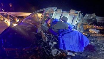 Feci kazada ortalık savaş alanına döndü! 5 kişi hayatını kaybetti