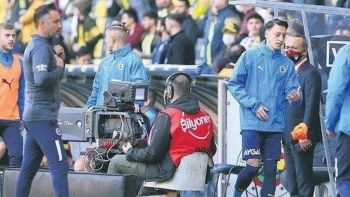 Fenerbahçe'de Pereira Mesut Özil krizi kapıda