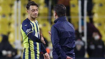 Fenerbahçe'de suçlu avı: Taraftar istifaya çağırdı, Koç Pereira'yı işaret etti
