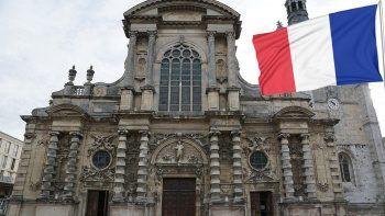 Fransa'yı sarsan kilise raporu: Son 70 yılda 216 bin çocuk istismar edildi