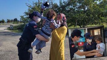Kuşburnu toplarken oğlunu kaybetti! Küçük çocuğu yolda yürüyen vatandaşlar buldu