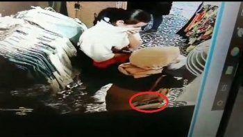 Mağaza faresini kameralar tespit etti, polis yakaladı