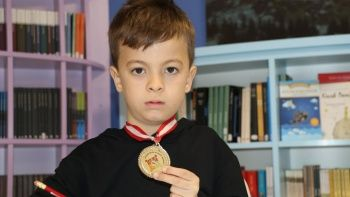 Matematik sevmeyen çocuk yarışmada şampiyon oldu