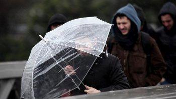 Meteoroloji'den şiddetli yağış uyarısı! Su baskınları, fırtına ve heyelana dikkat (5 Ekim hava durumu)