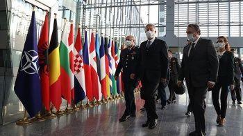 Milli Savunma Bakanı Hulusi Akar NATO Karargahı'nda