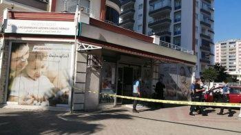 Pompalı tüfekle doktor meslektaşını vurdu