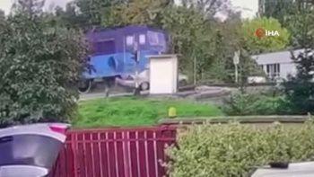 Slovakya'da hemzemin geçitte feci kaza: 1 ölü