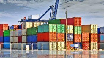 İhracatta yeni rekor kırıldı, dış ticaret açığı sert geriledi