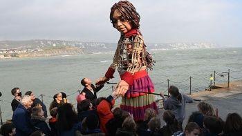 Suriyeli mülteci çocuk kuklası İngiltere'de