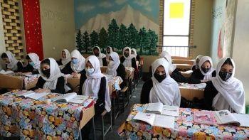 Taliban yakında Afganistan'ın tamamında kızların ortaokula gitmesine izin verecek