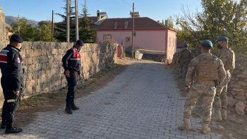 Taziye evinde arazi anlaşmazlığı nedeniyle 2 kardeş öldürüldü