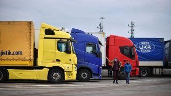Tır şoförlerinden İngiltere'ye çağrı: Krizi çözmeye varız