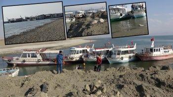 Van Gölü'nde vahim tablo: Tekneler limana yanaşamadı