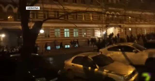 Ukrayna'da maç öncesi taraftarlar kavga etti