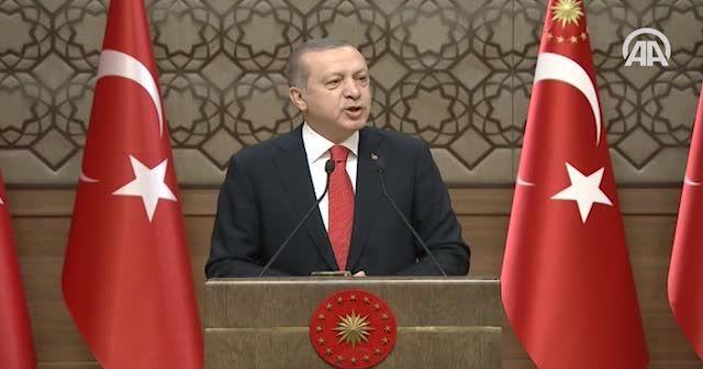 Erdoğan: Türkiye teröre teslim oldu' demek teröristle aynı safta yer almaktır