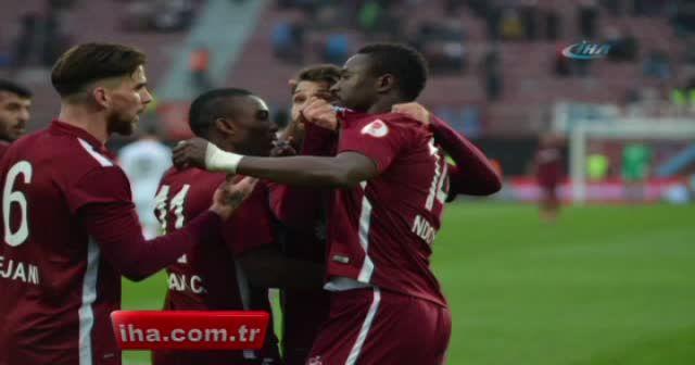 Avni Aker'e veda maçında Trabzonspor Konyaspor'u tek golle geçti