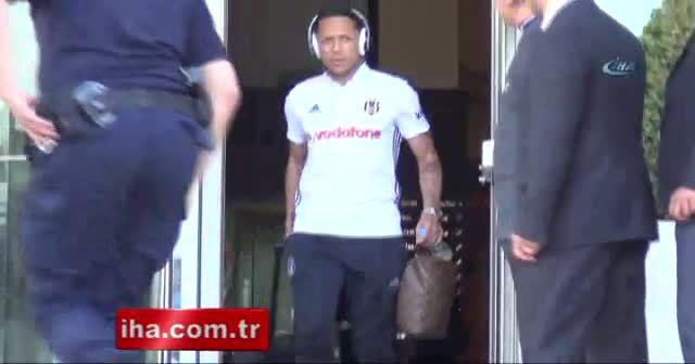 Beşiktaş kafilesi stadyuma geldi