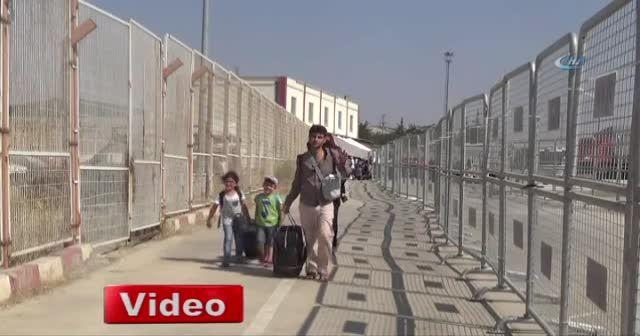 Suriyeliler akın akın ülkelerine gidiyor
