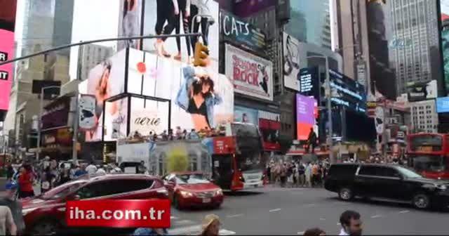 Times Meydanı turist akınına uğruyor
