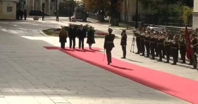 Erdoğan 'Ebedi Zafer Anıtı'na çelenk koydu