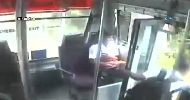 Otobüs ineceği yerine geçince aşağı atladı