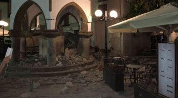 Deprem anında insanların kaçışı böyle görüntülendi