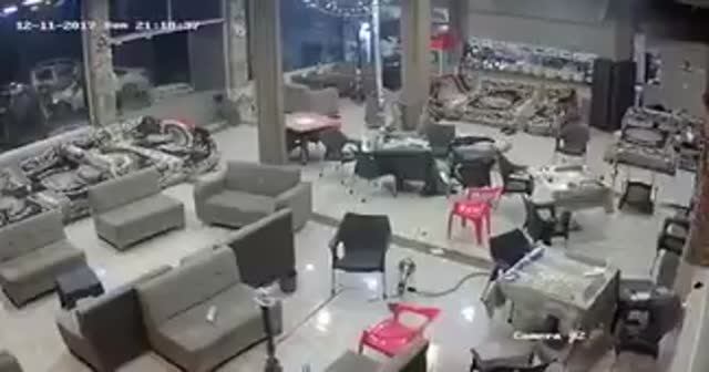 Irak'ta 7.3'lük deprem! Süleymaniye'den ilk görüntüler