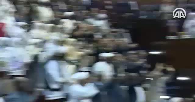Erdoğan Sudan Meclisi'nde ayakta karşılandı