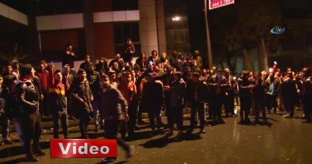 Galatasaray taraftarından havaalanı ve Florya'da protesto
