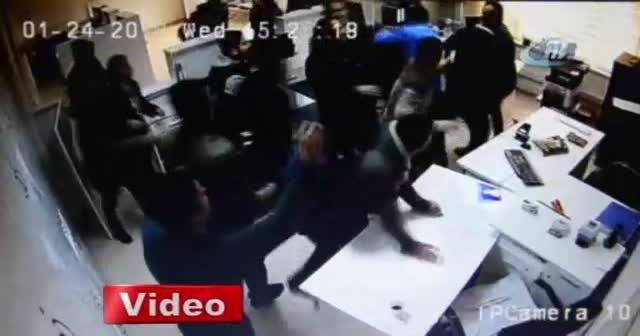 Dicle Elektrik'e çirkin saldırı kameraya yansıdı