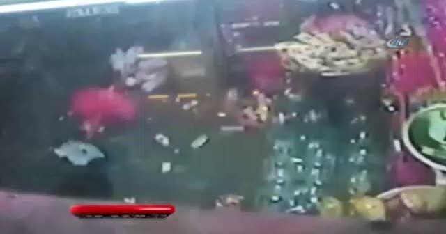 Yedikulesporlu genç futbolcunun bıçaklanarak öldürdüğü an kamerada