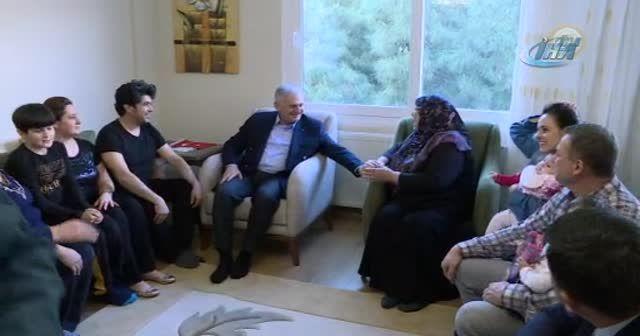 Başbakan Yıldırım vatandaşın çay davetini geri çevirmedi