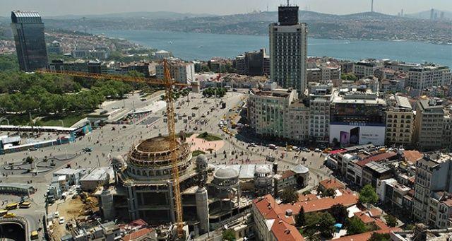 Minarelerinin yapımına başlanan Taksim Camii havadan görüntülendi