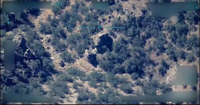Irak kuzeyine düzenlenen  hava harekatlarının görüntüsü