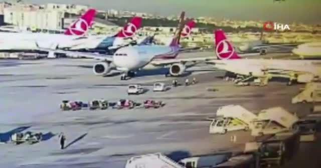 Atatürk Havalimanı'nda kaza son anda önlendi