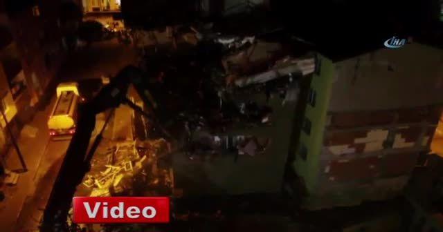 İstanbul'da çökme riski olan bina yıkılıyor