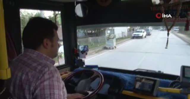 Halk otobüsüne binen köpek paniğe neden oldu