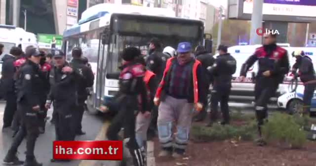 Ankara'da belediye otobüsü yayaların arasına daldı