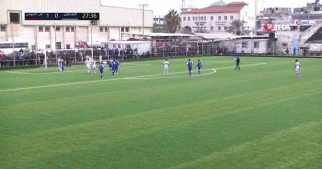 Filistin Ligi'nde hakem ezan okununca maçı durdurdu