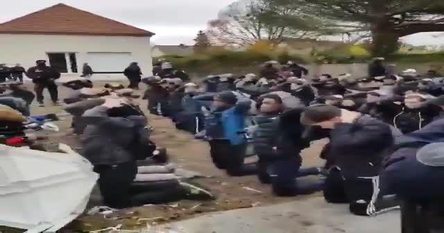 Fransa'da çok sayıda lise öğrencisi gözaltına alındı