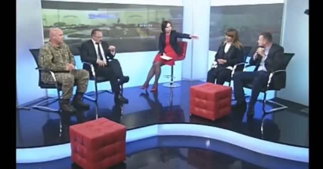 Ukrayna parlamento kanalında bir ilk: Vekiller canlı yayında kavga etti
