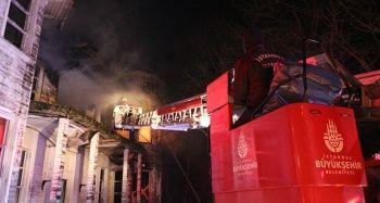 Beykoz'da film seti olarak kullanılan metruk bina yandı