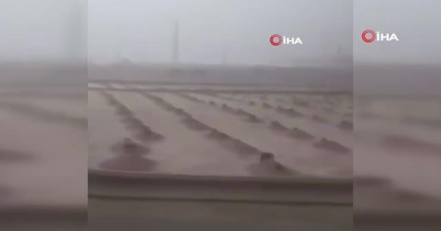 Medine'yi sel vurdu! Kutsal topraklar su altında kaldı