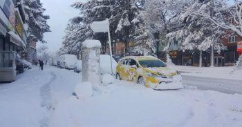 Tatvan'da kar kalınlığı yarım metreyi buldu